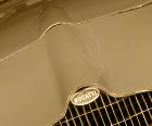 Découvrez ou redécouvrez avant de pouvoir l'approcher l'histoire de celle qui est considérée comme la dernière des Bugatti et produite à ... un seul exemplaire !